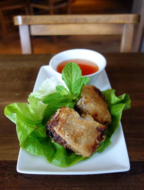 Pho Restaurant Starter Nem hai san