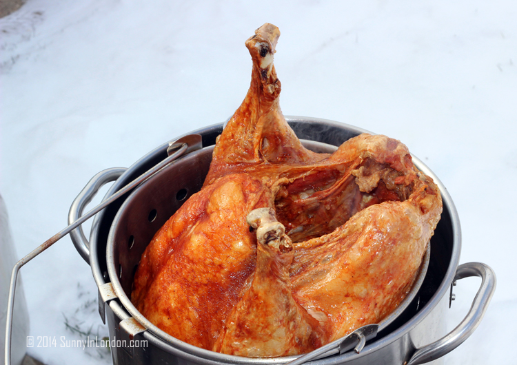 How-to-fry-a-turkey-recipe-american-thanksgiving