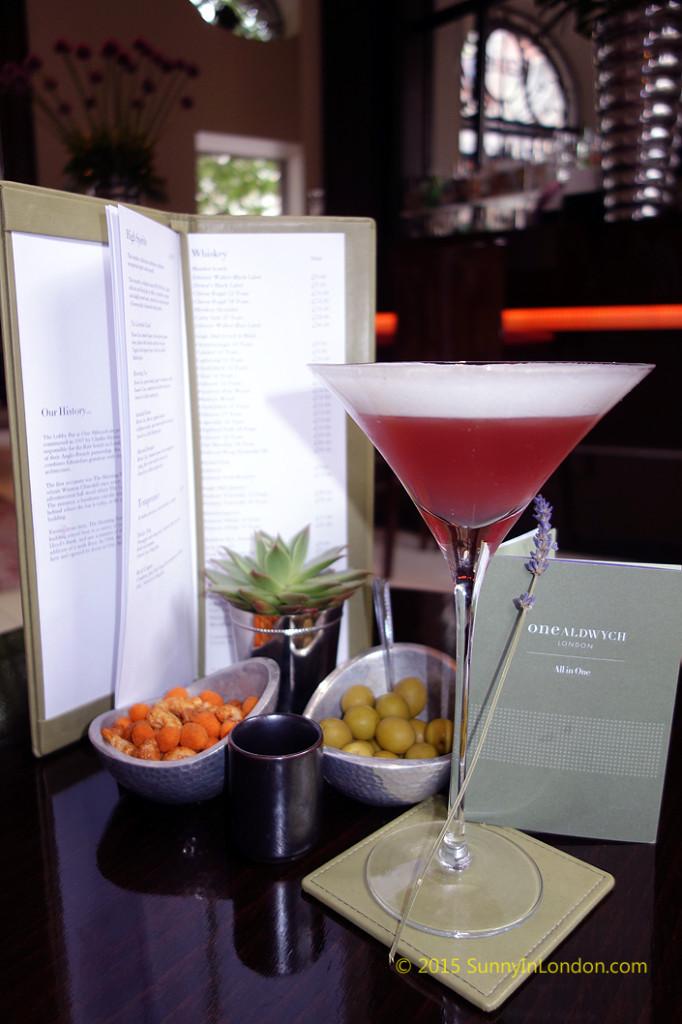 one-aldwych-hotel-lobby-bar-covent-garden-bloom-gin (1)