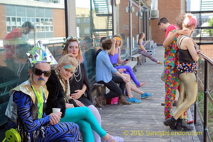 raves-in-london-morning-gloryville-oval-space