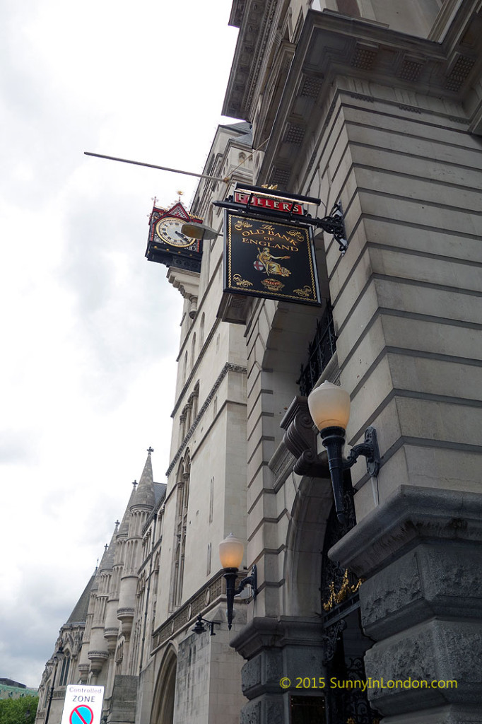 london-pub-crawl-bank-of-england-city