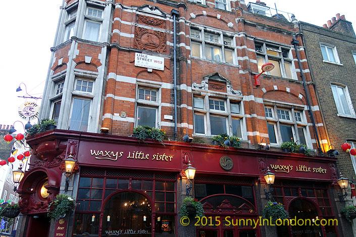 irish-pubs-in-london-piccadilly-circus-pub-crawl