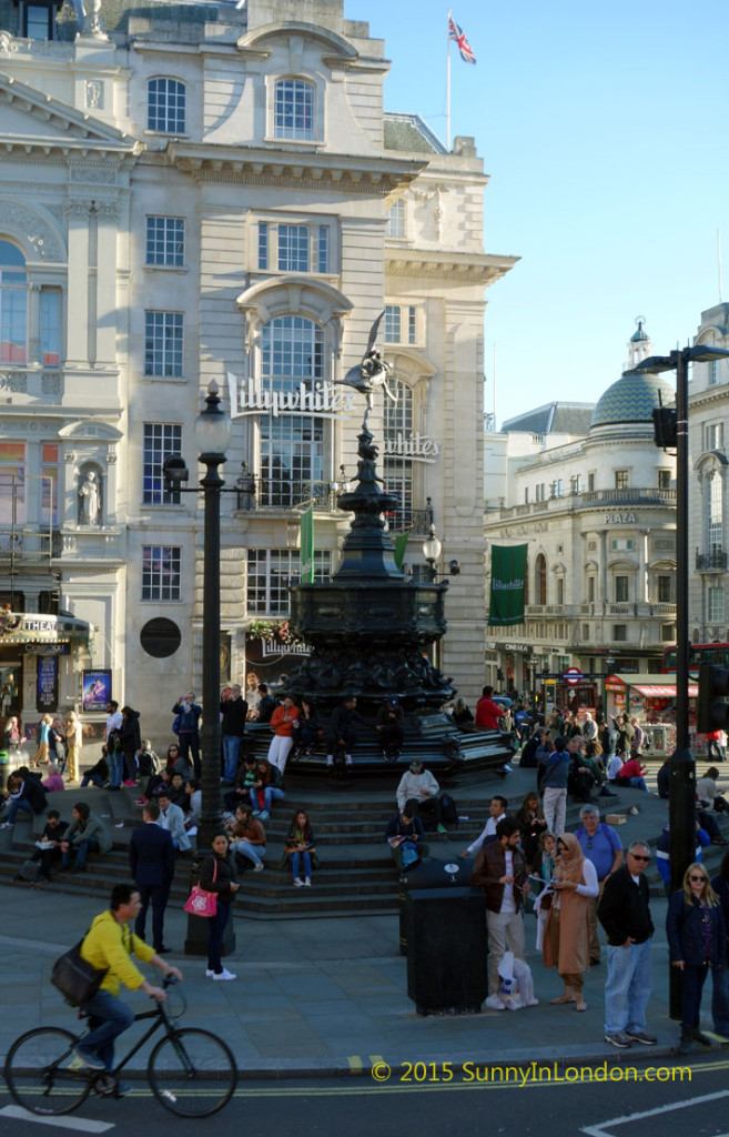 Stanfords Horse-drawn Omnibus Tours in Covent Garden London