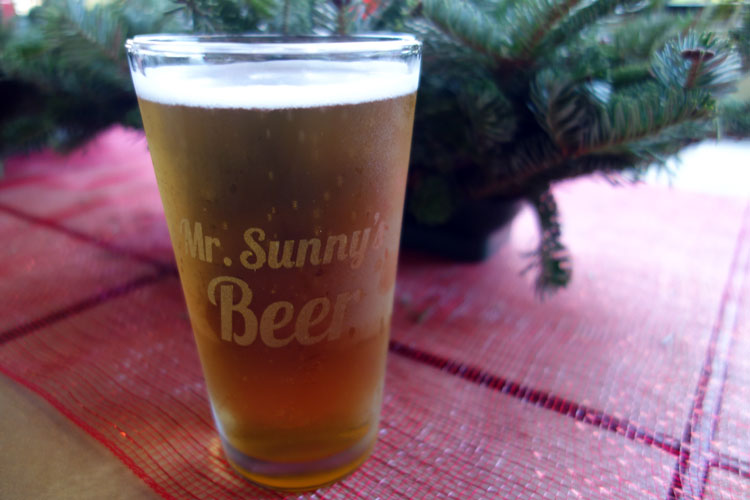 With Luv Design Personalized Beer Mug for Mr Sunny