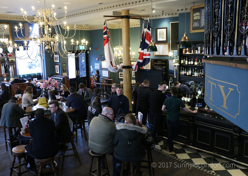 admiralty-pub-review-london-trafalgar-square