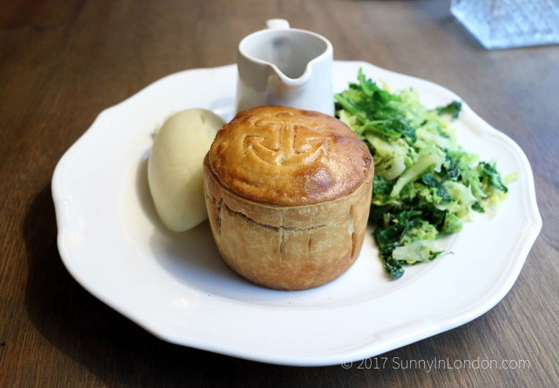 Admiralty-Pub-Review-London