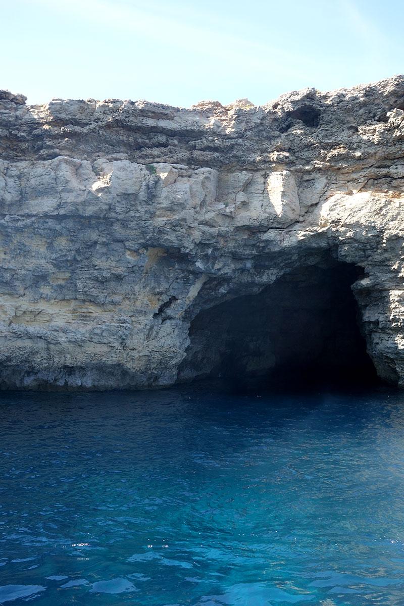 luzzu-cruises-review-malta-blue-lagoon-comino-gozo-caves