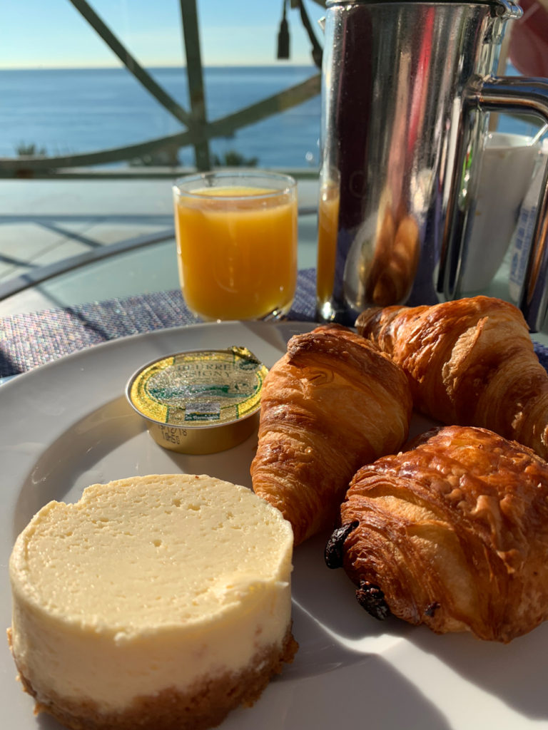 hyatt-regency-hotel-nice-france-breakfast
