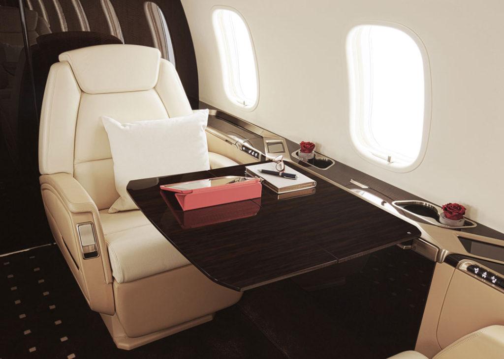 private-jet-membership-vistajet-bombardier-challenger-350-private-jet-business-suite
