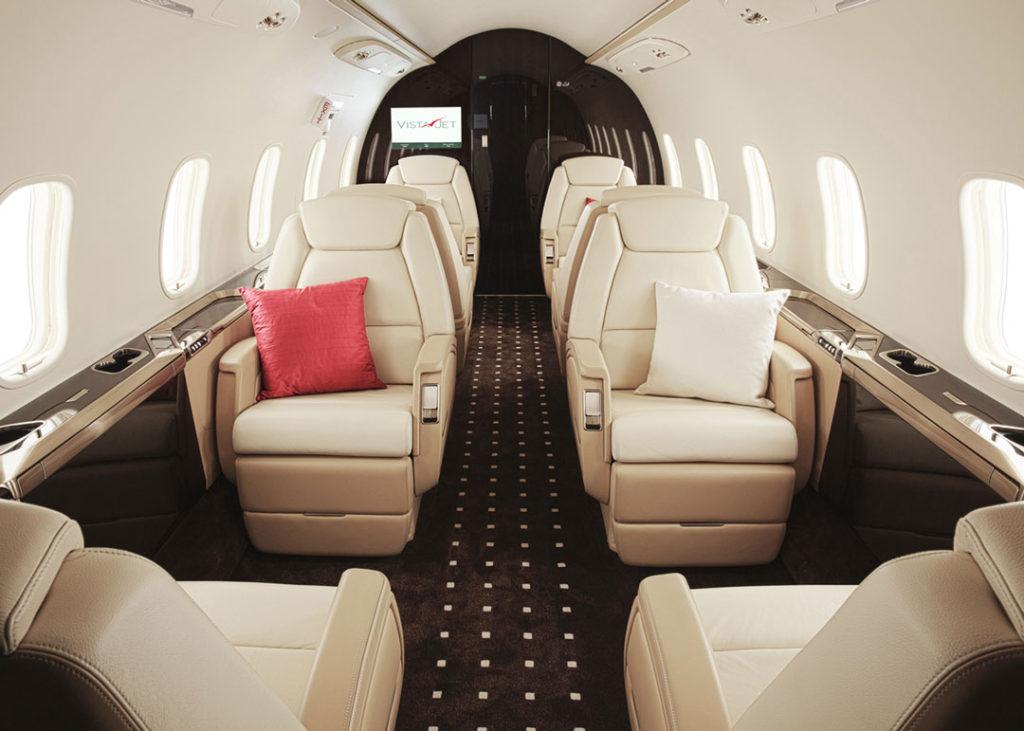 private-jet-membership-vistajet-bombardier-challenger-350-private-jet-seating