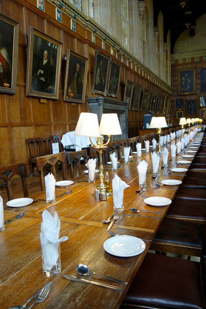 best-day-trips-from-london-the-great-hall-oxford