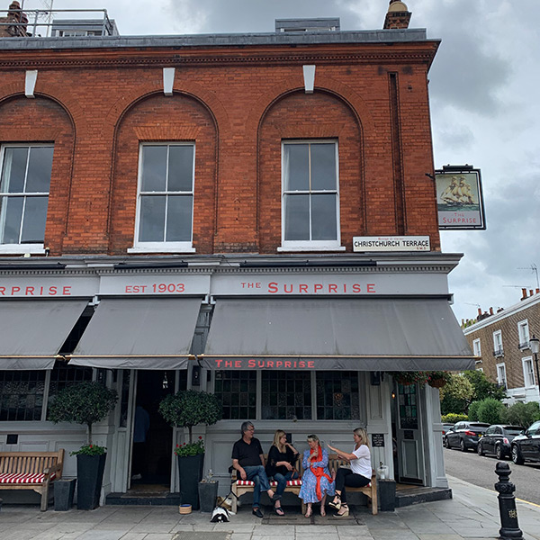 best-pubs-in-chelsea-kings-road-pub-crawl-london-surprise