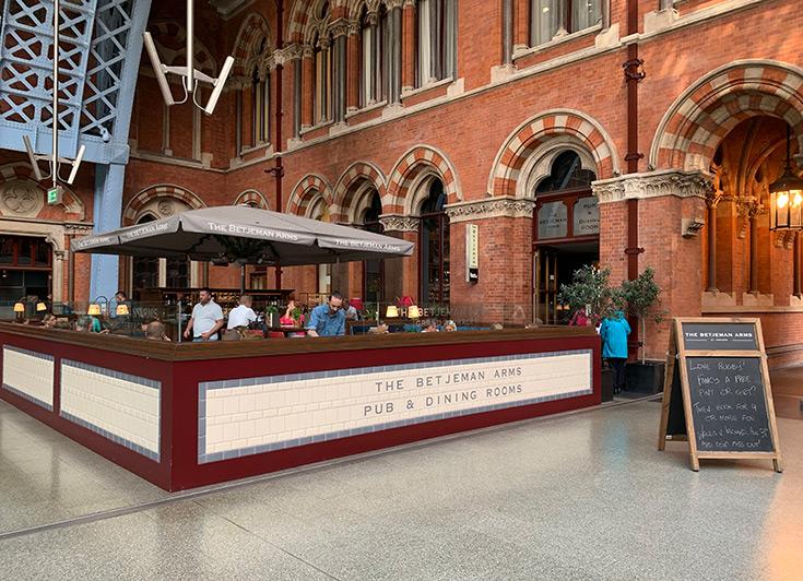 best-pubs-near-kings-cross-london-betjemen-arms